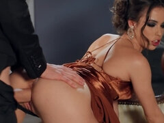 Famous XXX model makes it with the well-hung British fucker