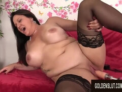 Awesome Mature Leylani Lollipop Opens Up Her Gams for a Plowing Machine