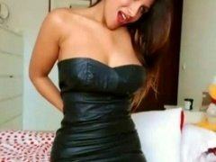 Columbian Sexbombxxx in a leather skirt