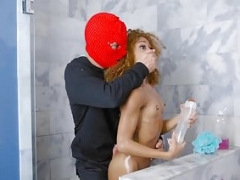 RealityKings - Round and plus Brown - Shower Robber