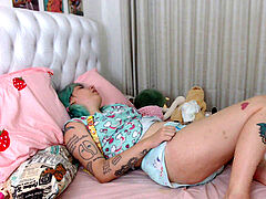 cam abdl gal ejaculates on her peed diaper and then changes to a new one