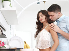 Sun-kissed seductress Nita Star entire pussy becomes covered in fresh semen