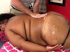 Ebony bbw peaches love has her jiggly figure and snatch massaged