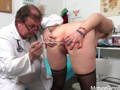 Kinky doctor makes granny cum from sex machine