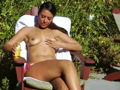 Nadia Noel rubb her clit & fingers her pussy outdoors