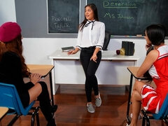 Lesbian threesome in the classroom with Kendra Spade, Eliza Ibarra and Vanna Bardot