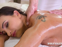 Alyssia Kent received the kinkiest massage in her life