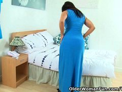 British sexually available mom Lelani strips off & masturbates in stockings