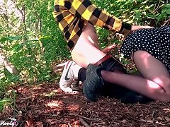 Sexy teen deepthroat and dogging sausage boyfriend in the woods