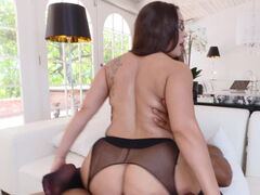 Hot russian secretary Gabriella Paltrova craving a booty fuck
