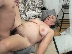 Young pal has a rendezvous with his mature concubine