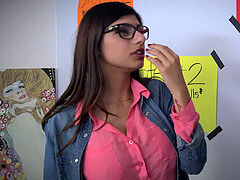 MIA KHALIFA oral pleasure LESSONS