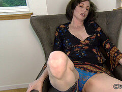 gargling Stepmom's Mind and Your geyser - taboo step mom point of view virtual fauxcest