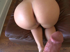 Hard cock enters wet vagina of blonde dame with awesome bum