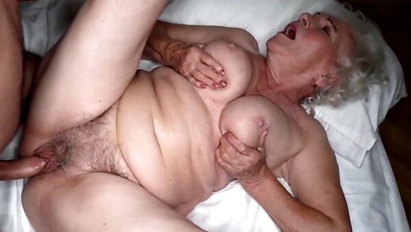Pretty granny rewarded with nice fuck after giving blowjob