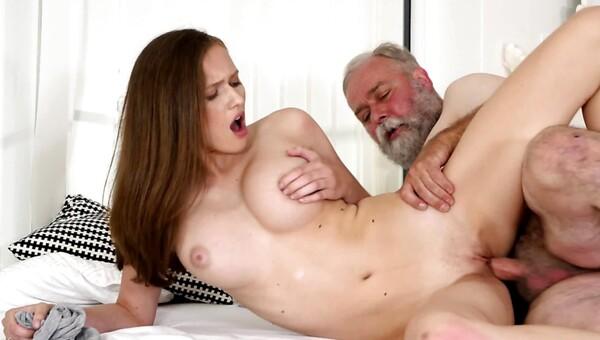 Irene osiguranje porno stripova