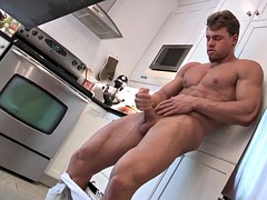 maskurbate Breda and his muscles Pefect masturbating in the Kitch