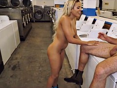 getting pussy at the laundromat
