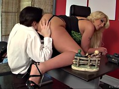 young buddy eats phat ass of boss lady kelly staxxx on his job interview