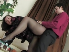 Dude fucks mature brunette