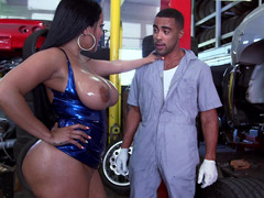 Hot Latina with sizeable titties and furthermore a big tush is fucked in a garage