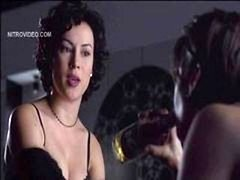 Gina Gershon & Jennifer Tilly - Bound