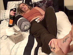 g/g worshipping inebriated friend's soles