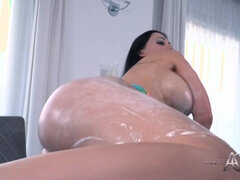 Hungarian pornstar with big fake tits aletta ocean toying cunt solo