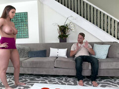 Super thick Brooklyn Chase seduces hung lad