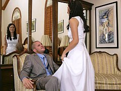 Aroused brunette bride gets naile by a guest