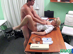 FakeHospital Nurse helps boy get an swelling